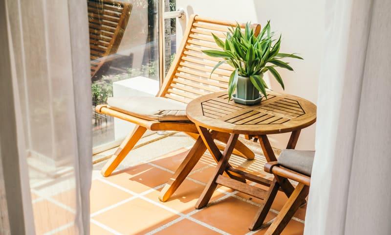 Outdoor Möbel aus Holz schützen