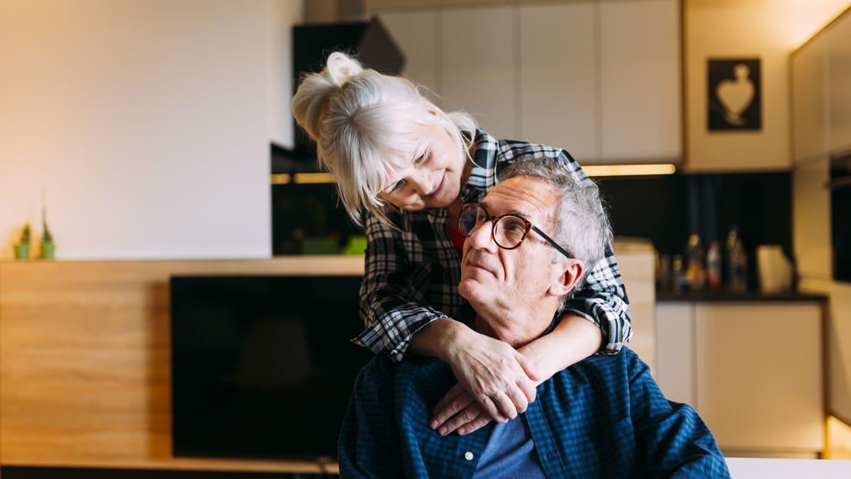 Wohnen im Alter: Die meisten Menschen wollen in ihren eigenen vier Wänden alt werden.