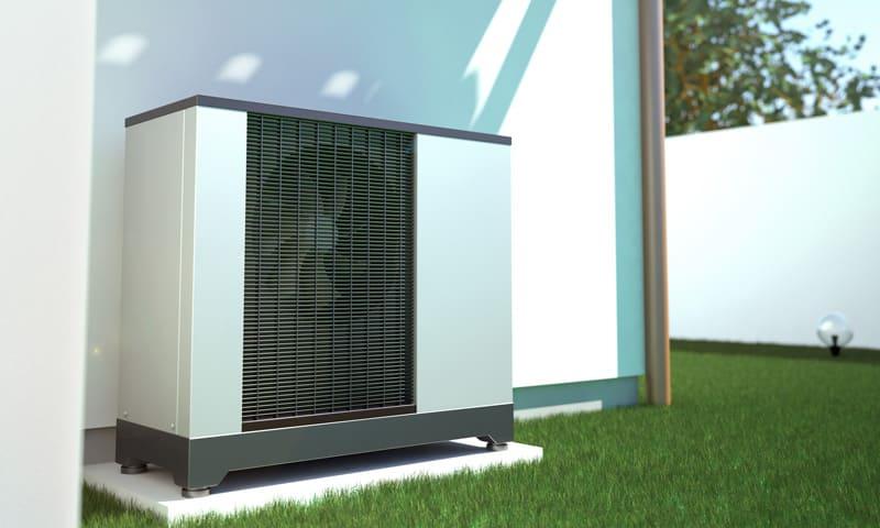 Steuerabzüge für die Eigenheim-Renovation: Wärmepumpe im Garten