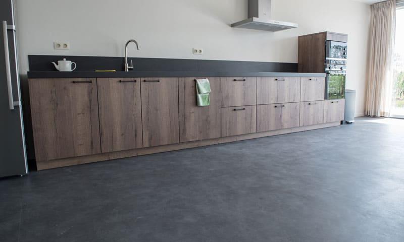 Boden verlegen: Küche mit Linoleumboden.