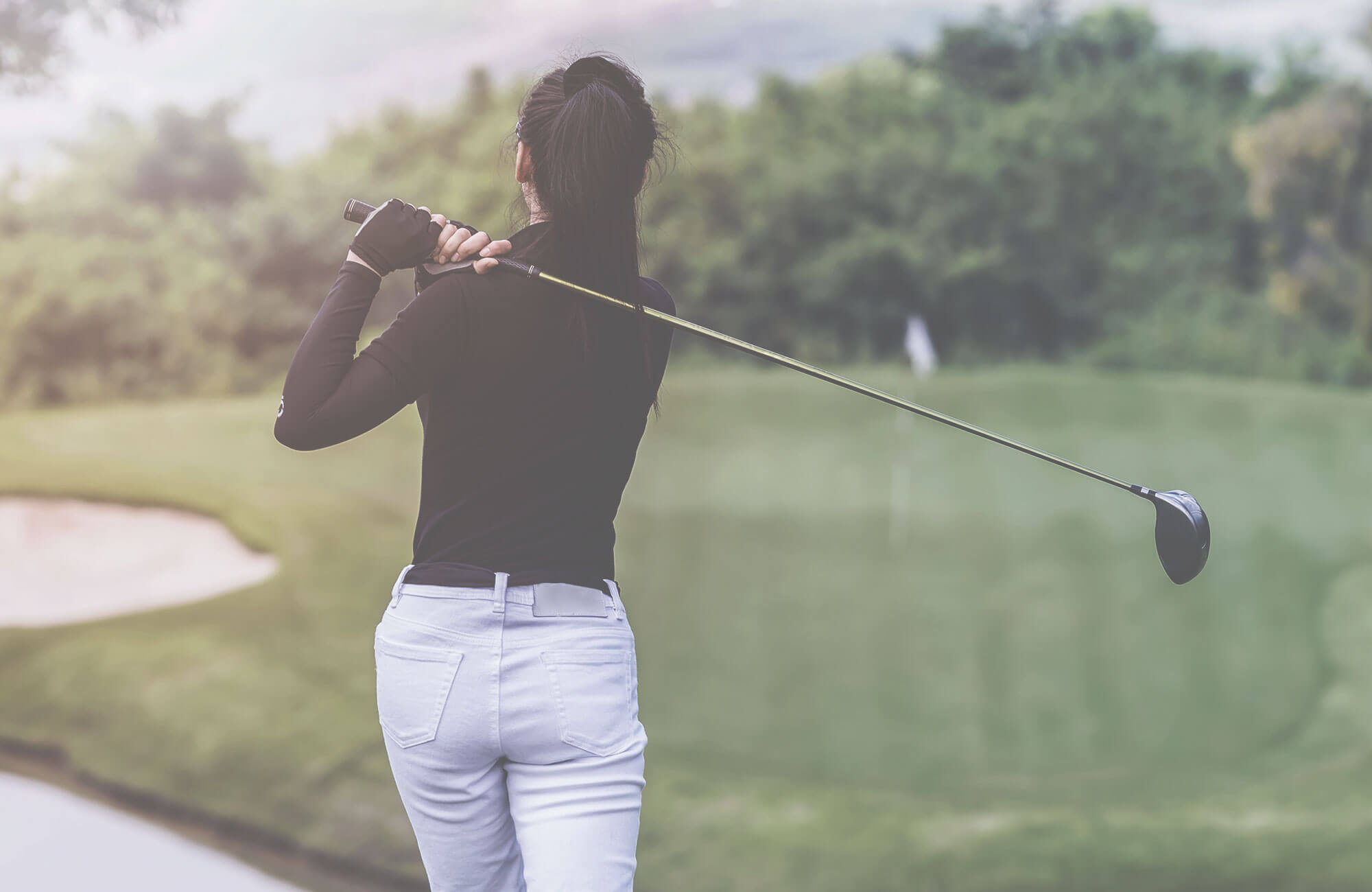 Female golfers should use clubs suited to them.