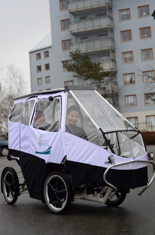 electric cargo bike last mile transportation Lena Molund Tunbom test ride