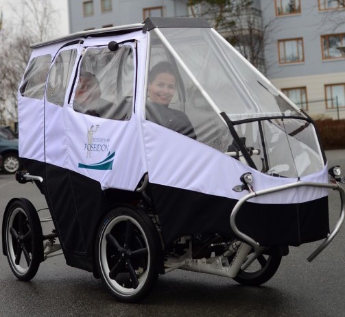 Lena Molund-Tunborn are testing electric cargo bike last mile transportation solution