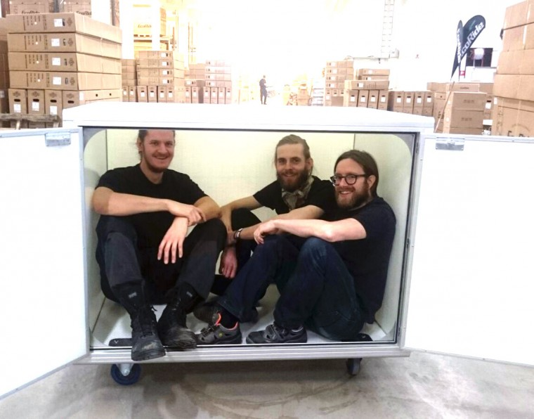Velove team in cargo bike city container