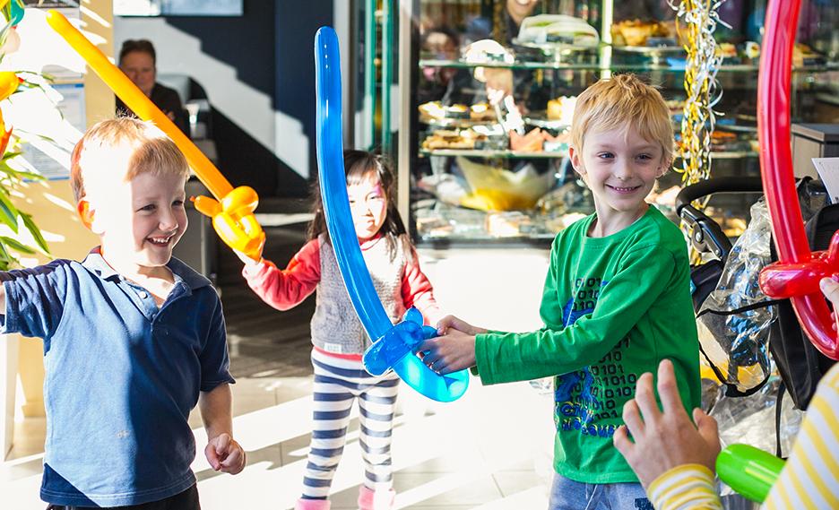 Balloon Twisting Entertainment Auckland
