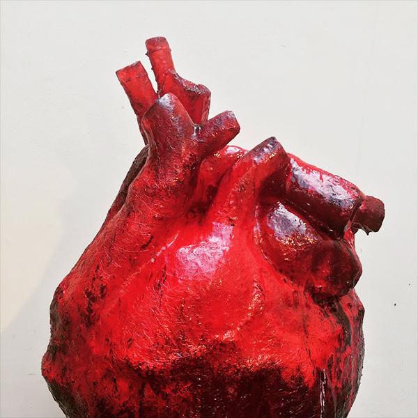 coração em resina cristal escultura guilherme palmerio