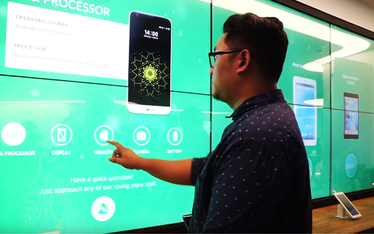 Client using an Interactive Wall in-store