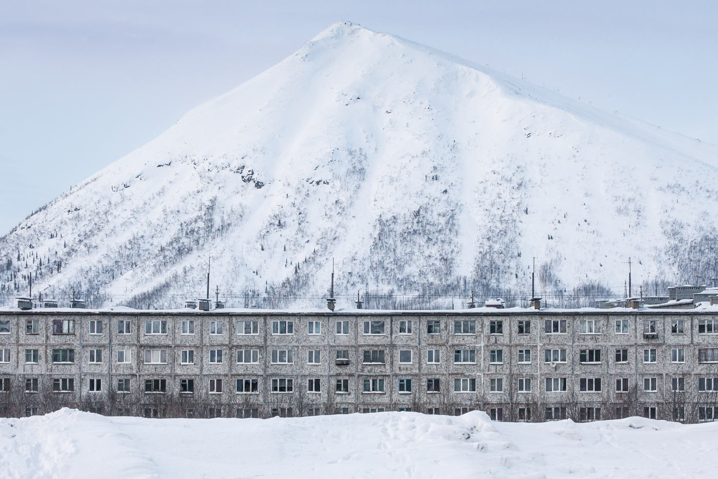 Panelka and Kukisvumchorr Mountain in Kirovsk