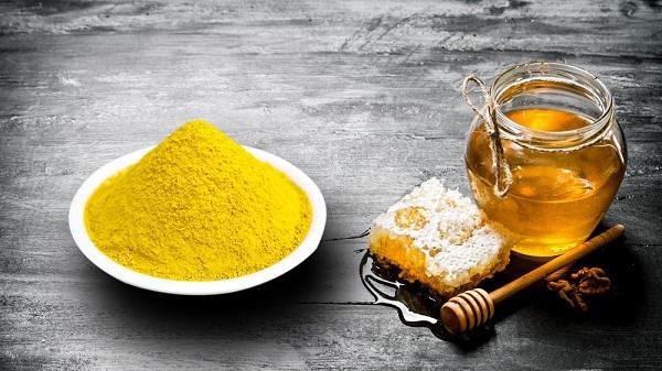 Tinh bột nghệ mật ong: Công dụng, cách dùng và lưu ý khi sử dụng |  #suckhoevang