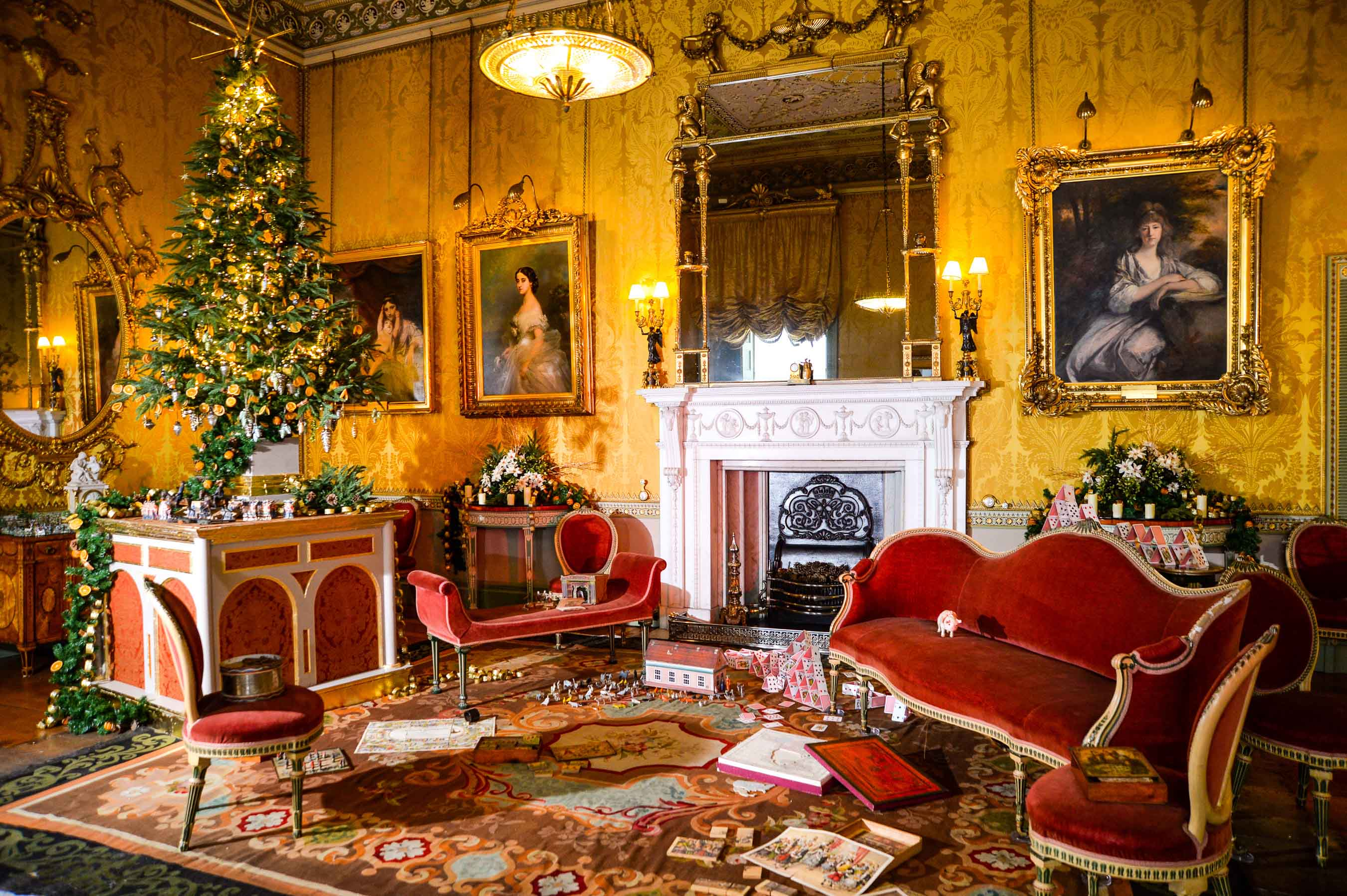 How to recreate a Victorian Christmas in the home, with advice from  Harewood House and Michael Howells - The English Home