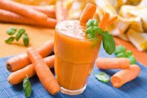 Uống gì để có nhiều sữa cho con bú - Nước ép à rốt