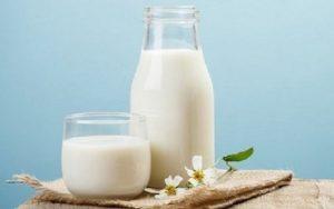 Mẹ ít sữa nên uống gì - Sữa ấm
