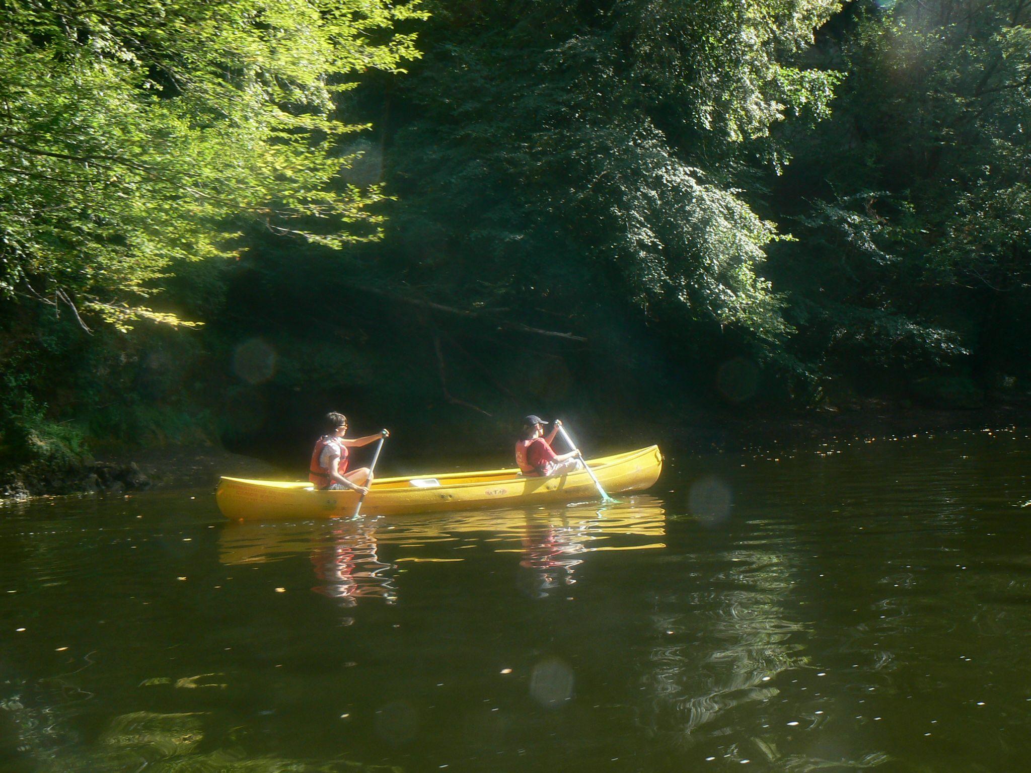 Canoes on the Vézère river