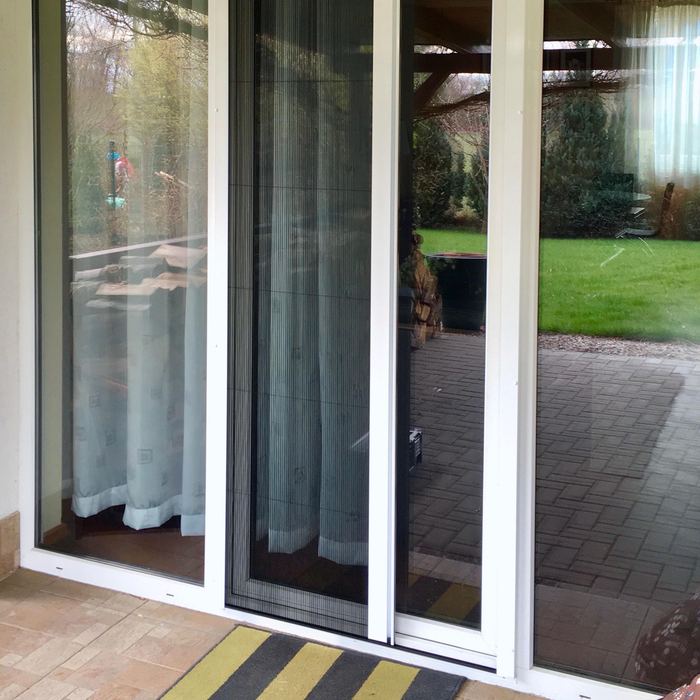 Sítě okenní a dveřní
