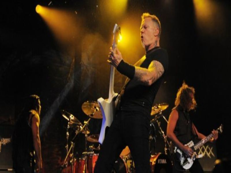 Metallica plays a set at Blizzcon