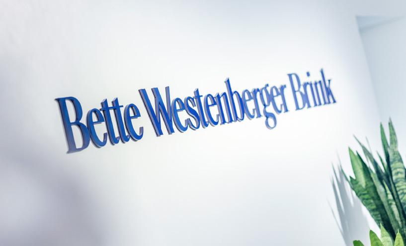 Bette Westenberger Brink Anwaltskanzlei Logo Empfangsbereich