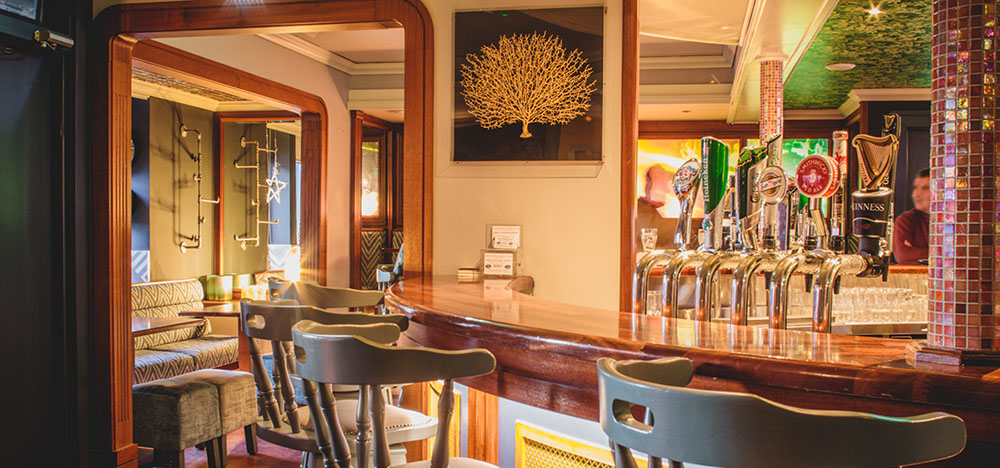 Bright and cheerful, you will get a warm welcome in the bar at Barr Na Sráide Inn, Dingle