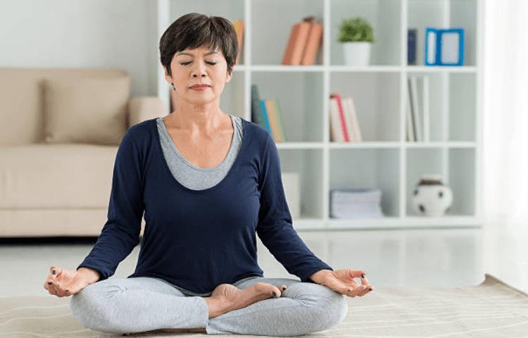 Thiền và yoga xoa dịu tình trạng bị ù tai