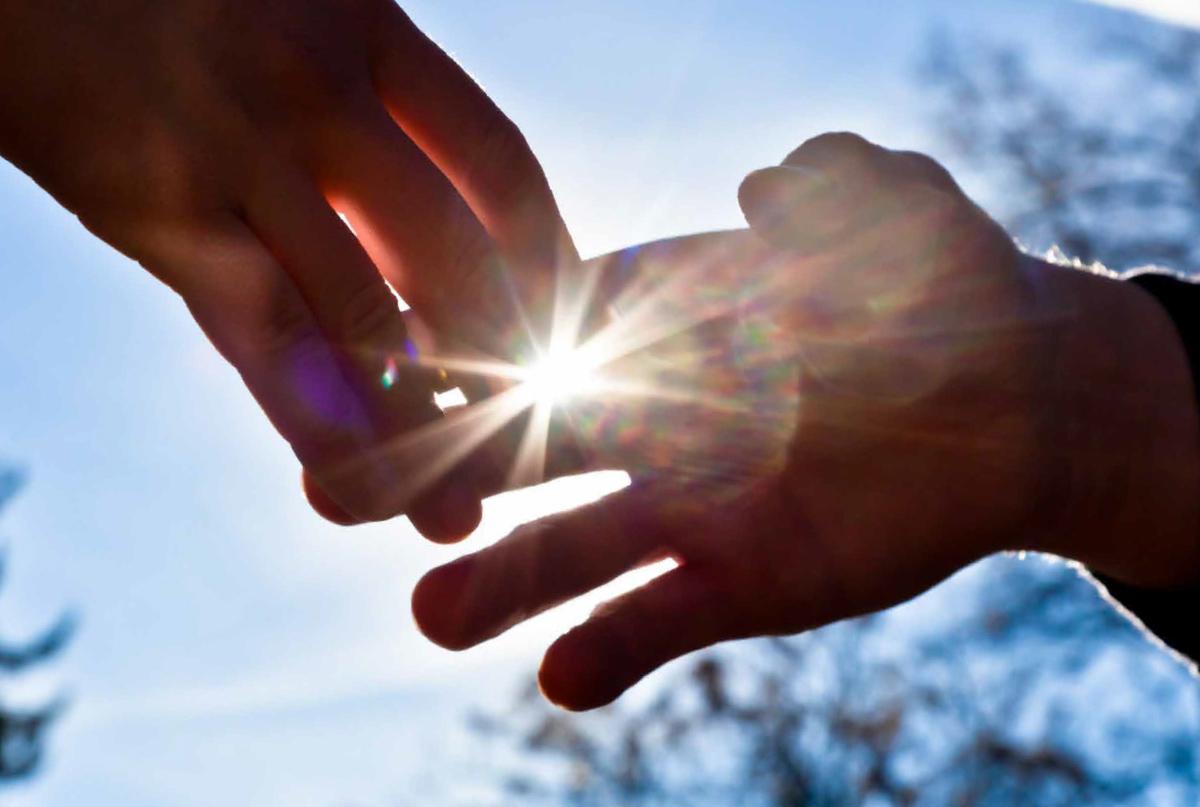 Ảnh đẹp nắm tay nhau