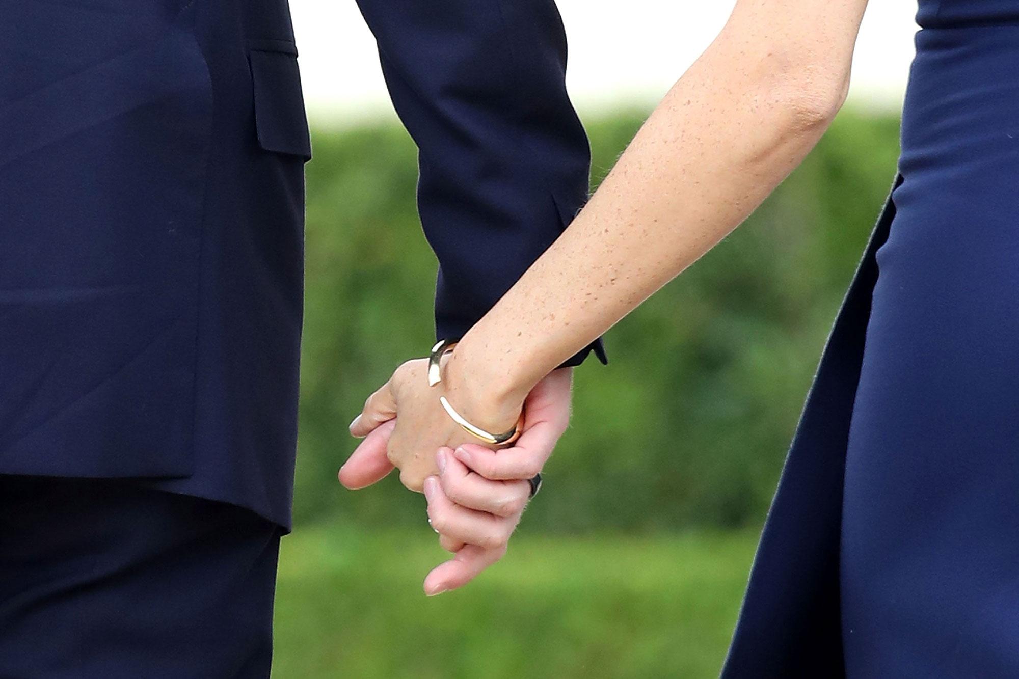 Ảnh nắm tay nhau rất đẹp