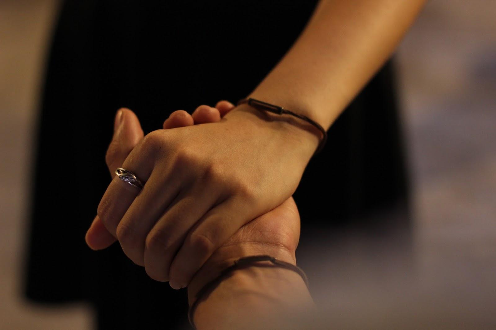 Hình ảnh nắm tay nam nữ tình cảm cực đẹp