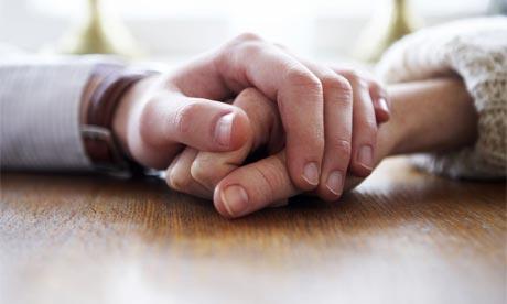Hình ảnh nắm tay nhau rất đẹp