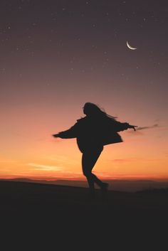 7 Awesome Ways To Manifest With The Waxing Moon // Witchcraft // Magic // The Traveling Witch Nhiếp Ảnh Thiên Nhiên
