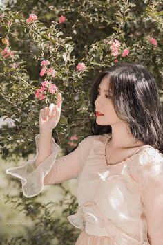 Cô giáo Hà thành 'gây thương nhớ' bởi nét đẹp dịu dàng như nắng mai Đầm Vestidos, Làm Đẹp Cho Tóc, Gái, Trang Phục, Hình Ảnh