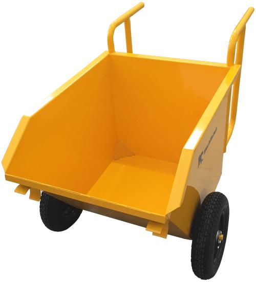 A Caçamba Manual CM 200 vem com rodas pneumáticas, sistema de dreno e alças ergonômicas.