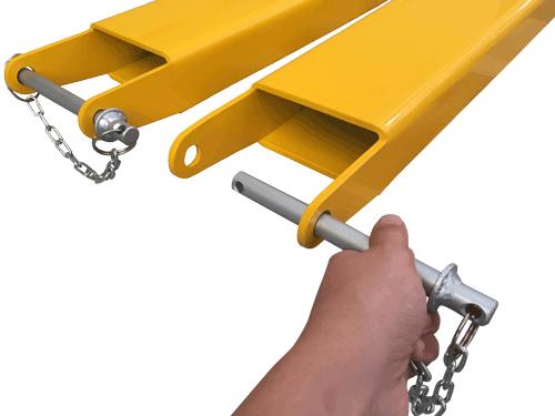 O Prolongador de Garfo com Fundo Fechado possui sistema de travamento na base do garfo com pino de bloqueio.