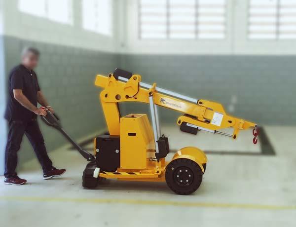 As rodas tracionadas com controle de aceleração e sistema de segurança na alavanca, além de acionamento de precisão, permitem uma movimentação segura, suave e sem esforço físico.