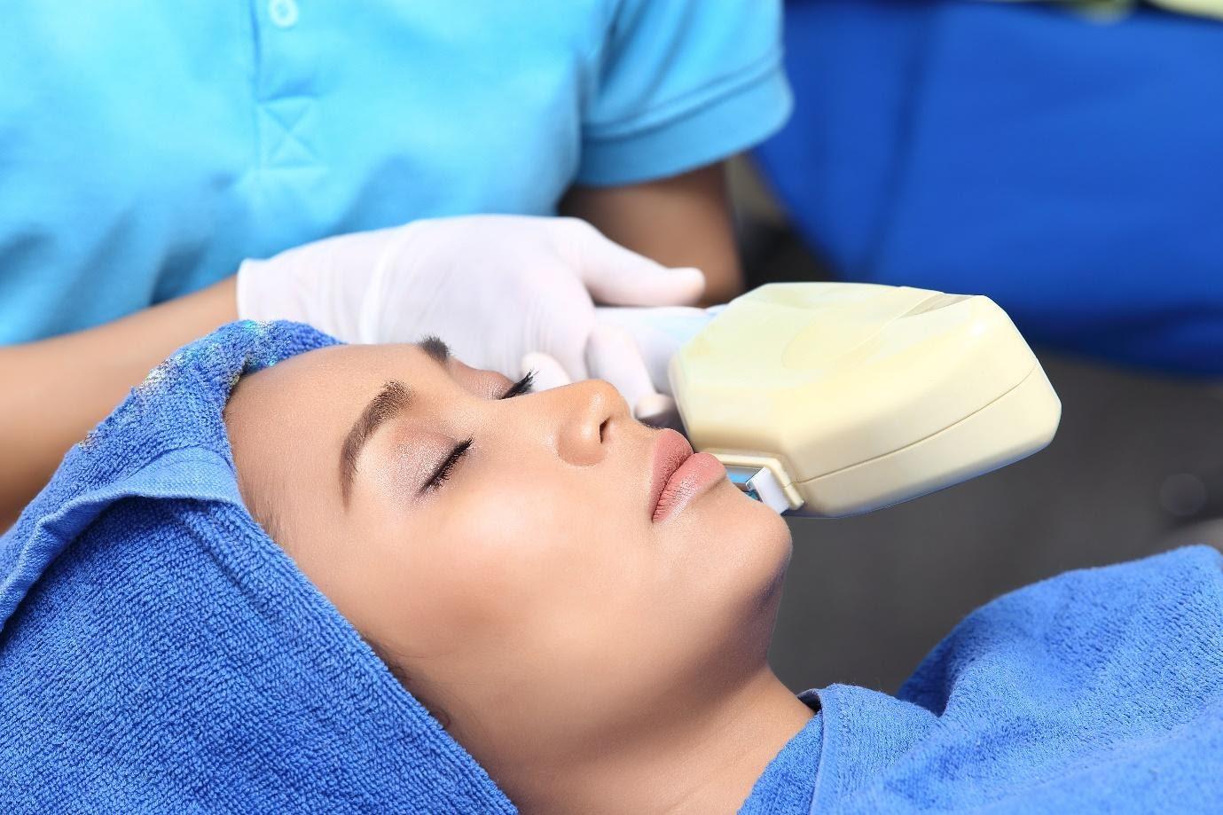טיפולי לייזר להזדקנות העור
