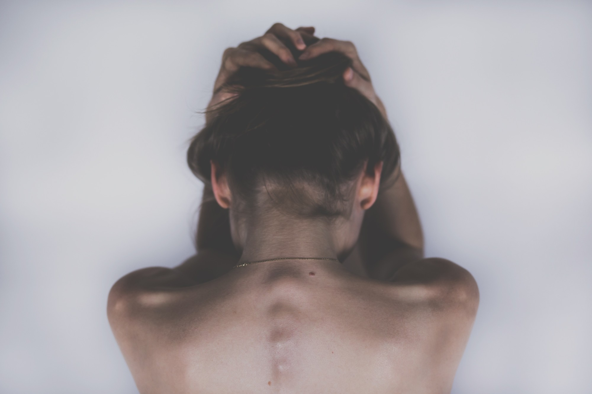 4 Warning Signs Of Scoliosis