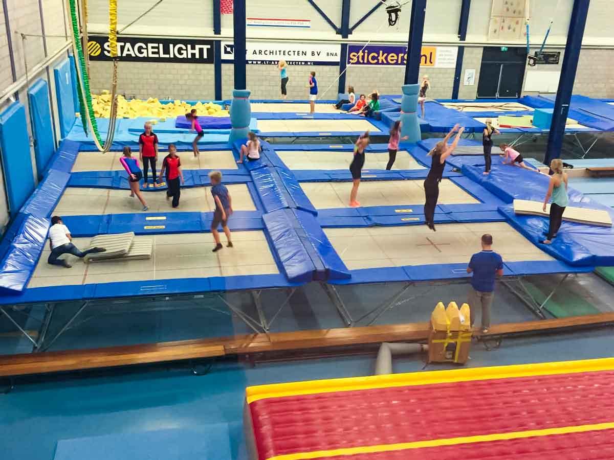 trampolinespringen-springhal