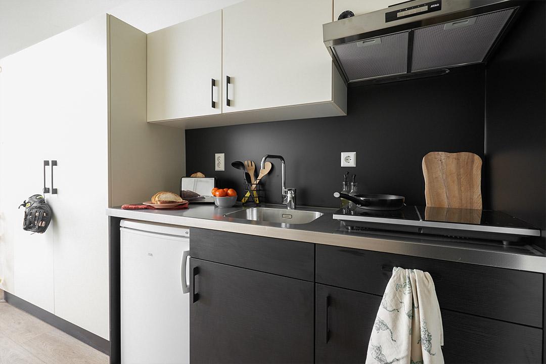 OurDomain Amsterdam South East Standard Studio kitchen