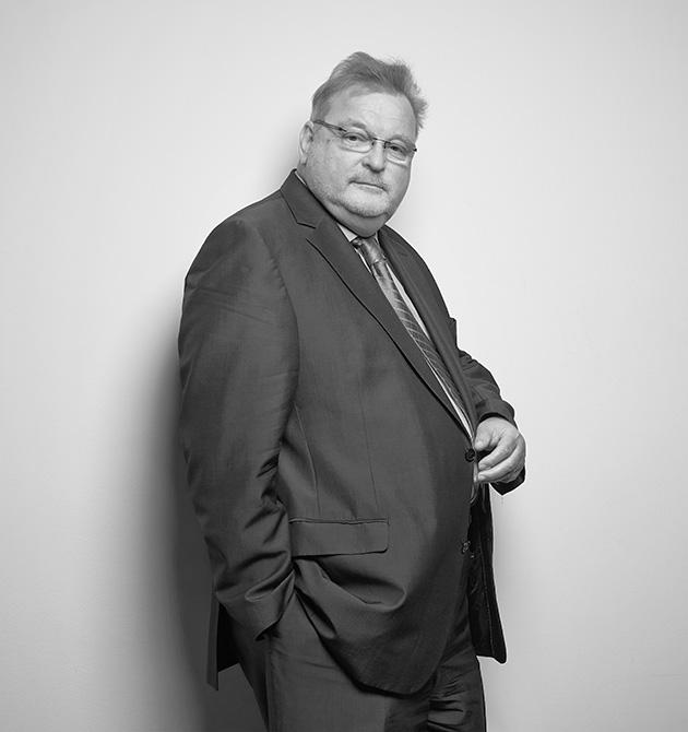 Dr. Ulrich Brink