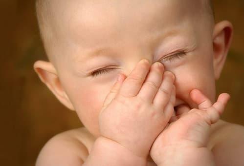 Bị hôi nách sau khi sinh chữa như thế nào?
