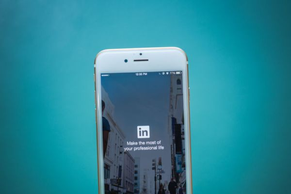 9 ways to polish your LinkedIn profile