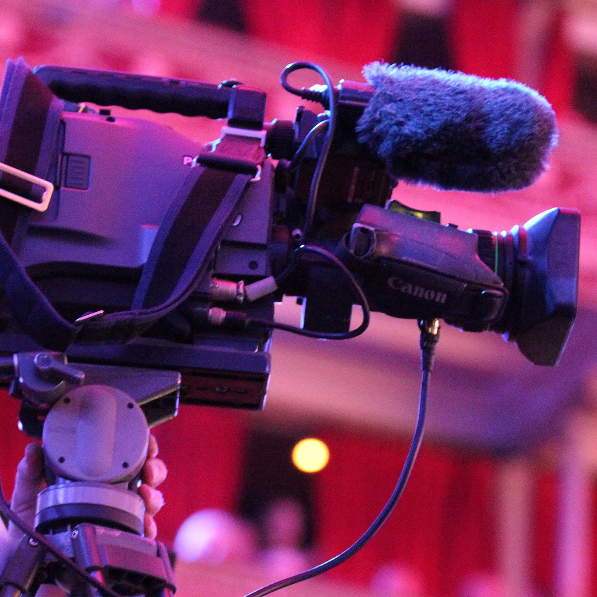 R&W Installation of audio camera mounts