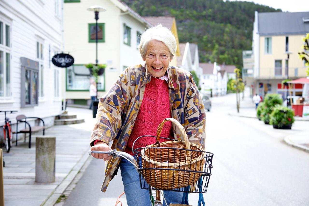 Dame på sykkel