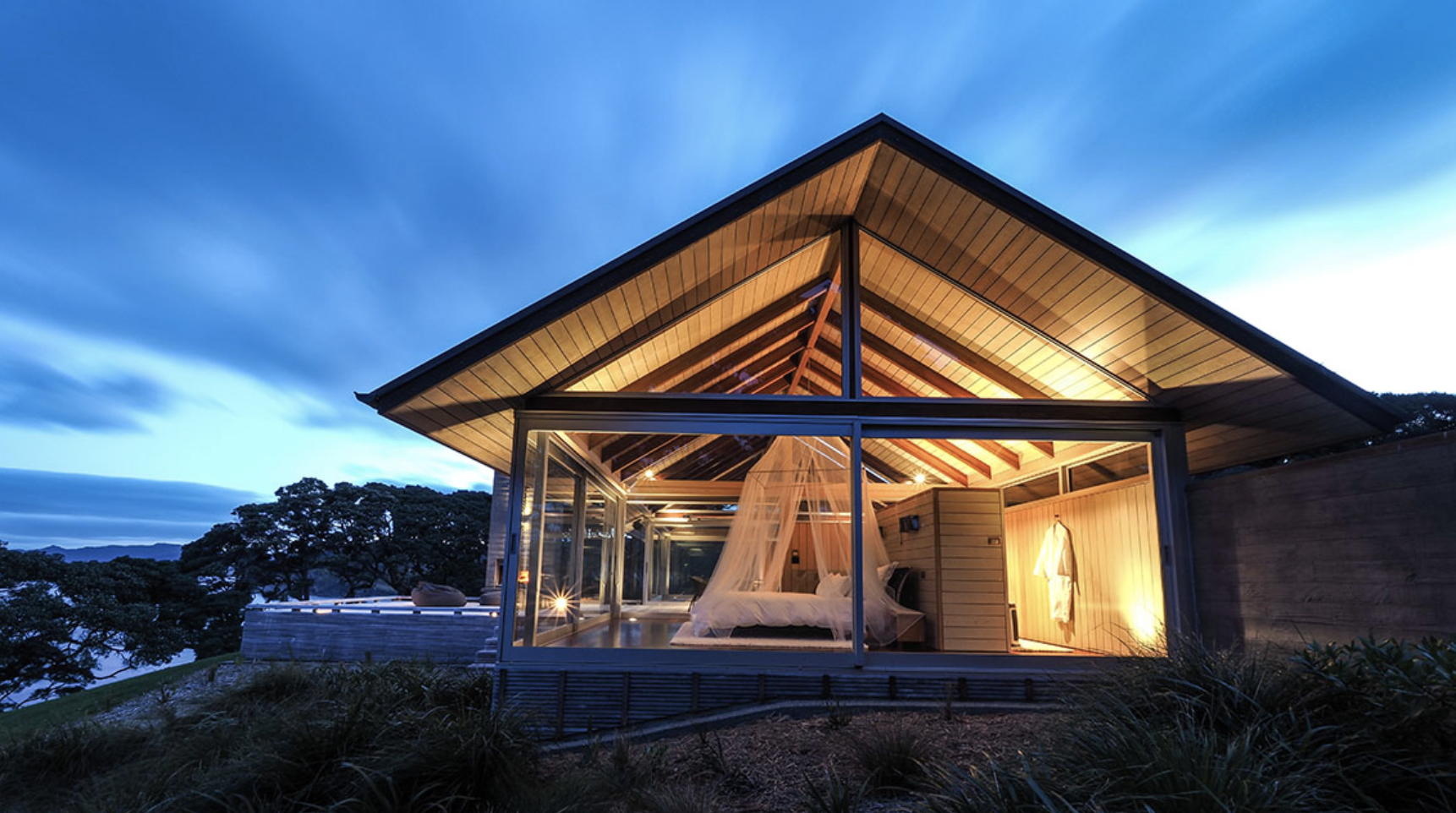 Luxury New Zealand accommodation for honeymoon.