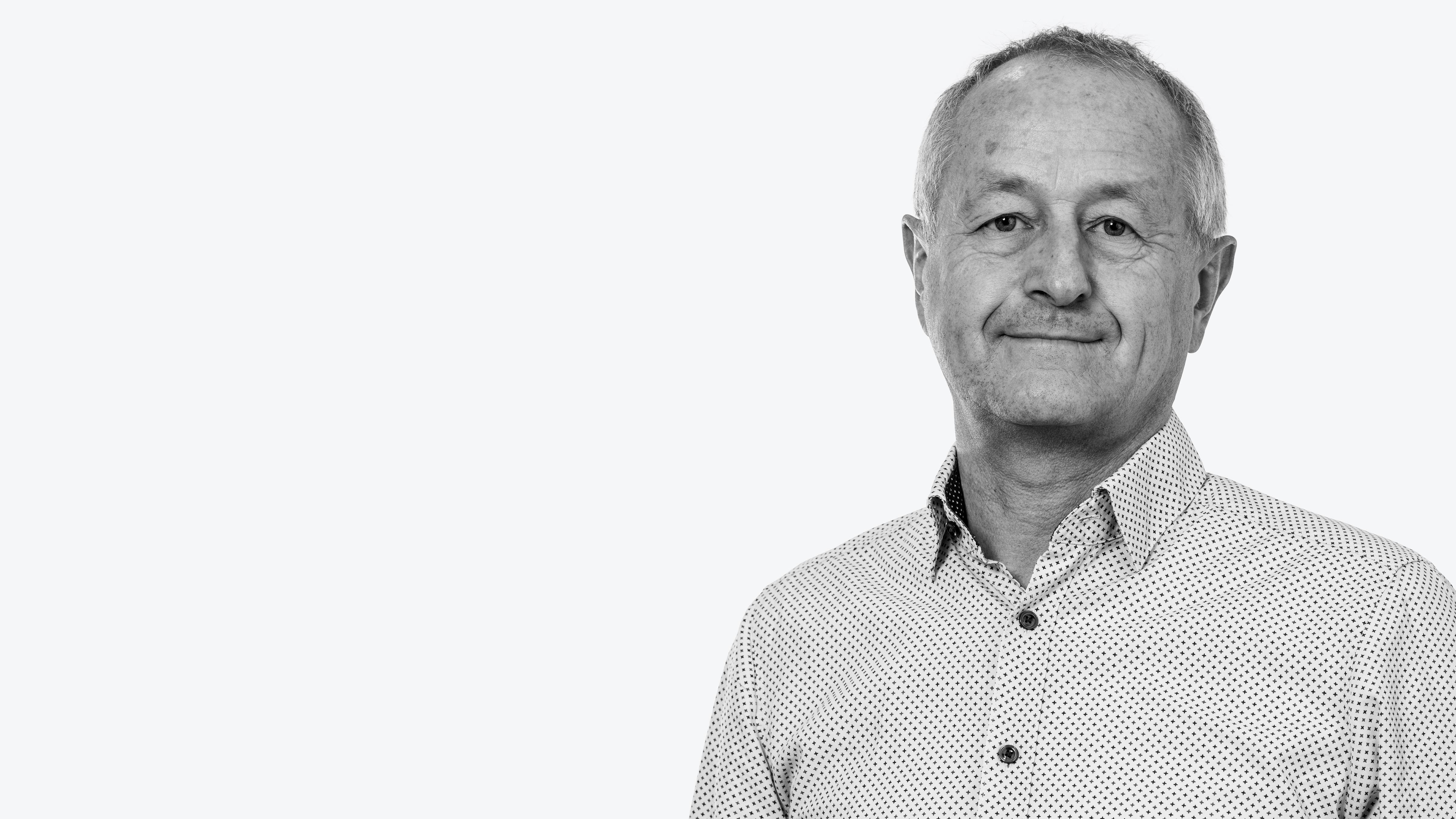 Peter Maegdefrau is the CFO of xuuluux