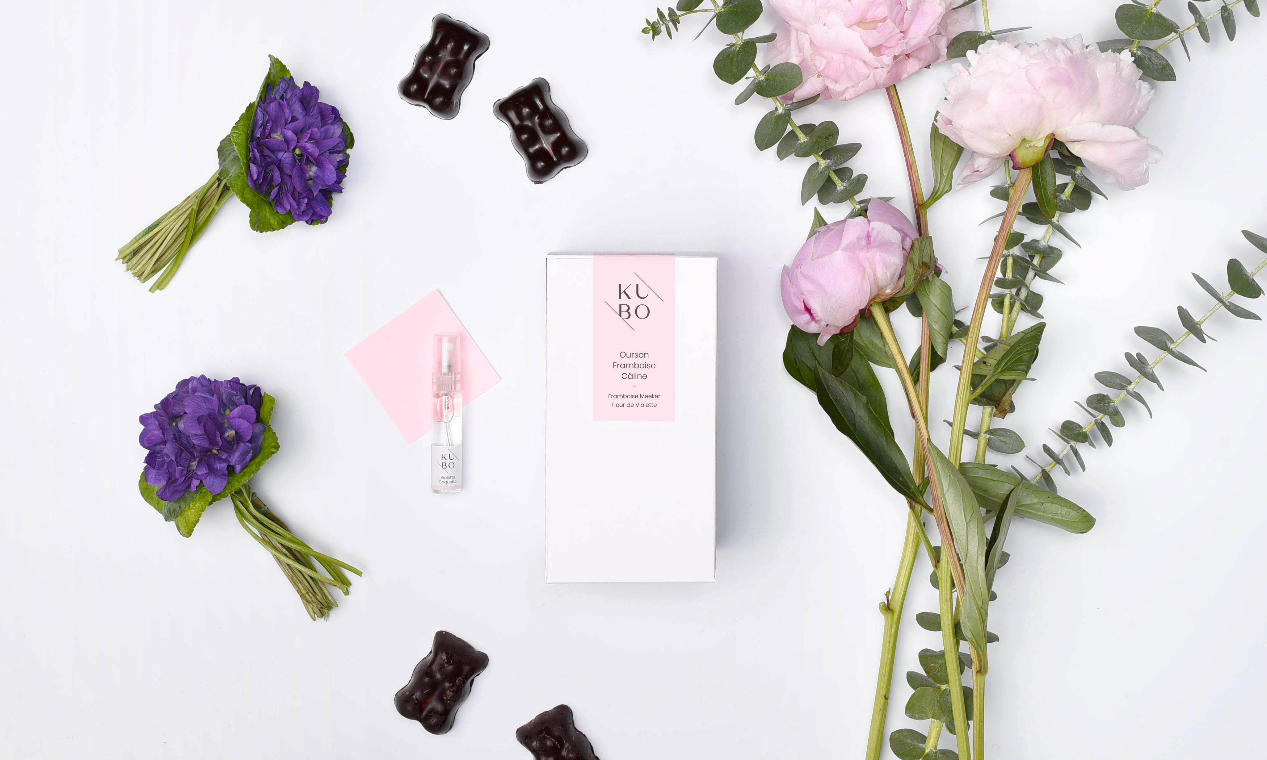 Kubo-pâtisserie - Ourson framboise câline et son parfum associé : violette coquette