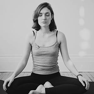 Photo professeure yoga suisse