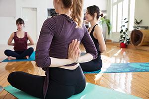 Photo mains en prière yoga
