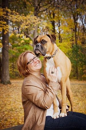 Portrait chien boxer au parc