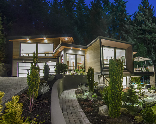 Custom home with clean landscape