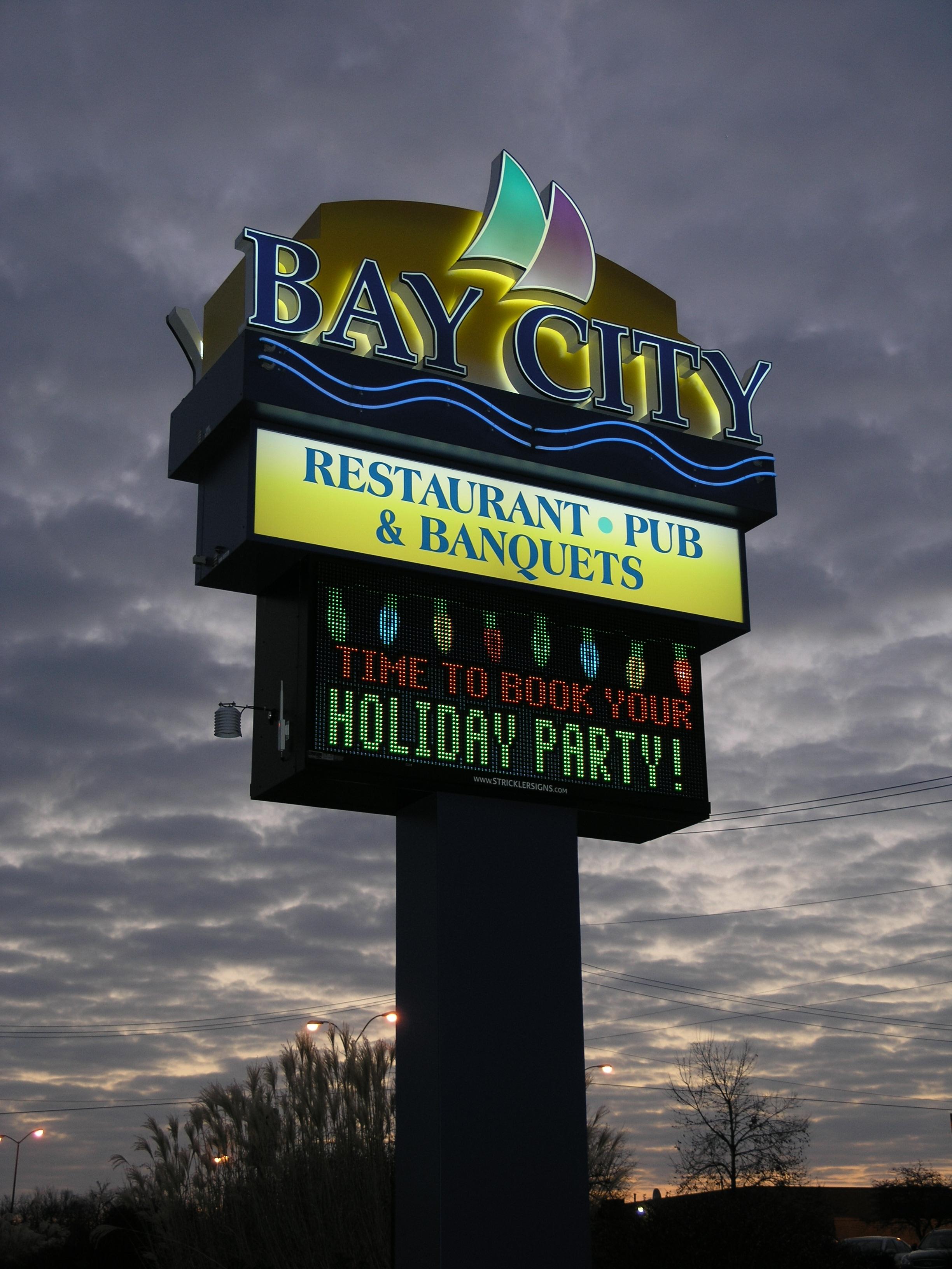 Bay City Restaurant - Pylon w Digital Sign