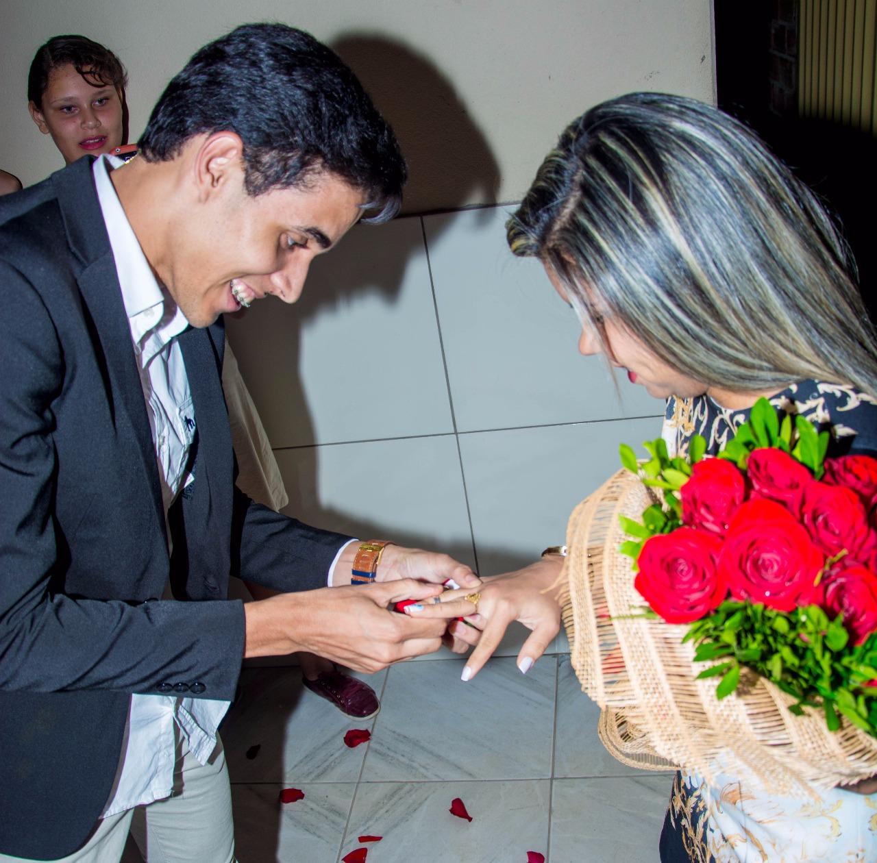 troca de alianças após pedido de casamento sonho