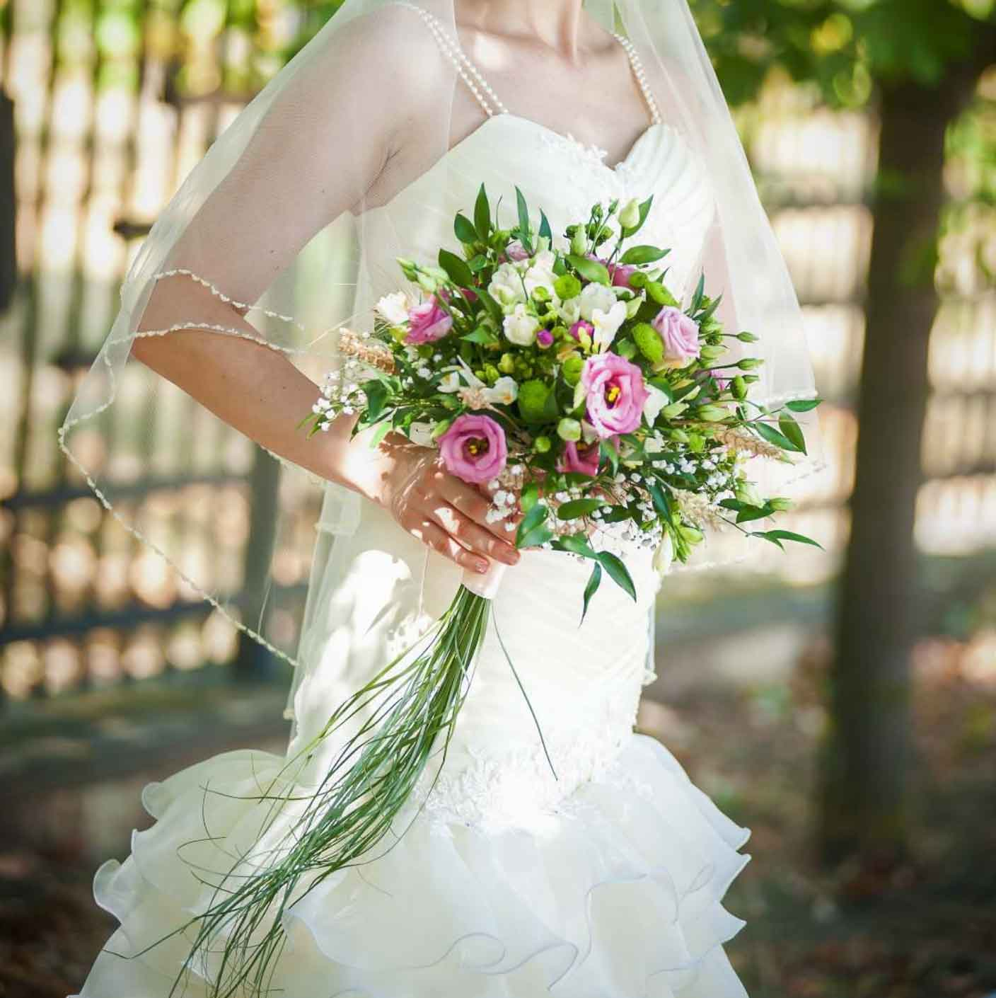 Brautstrauß, Rosen, Lisianthus